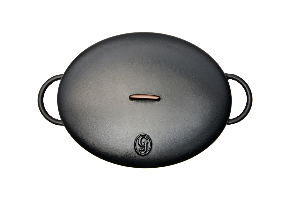 Enameled cast-iron Dutch oven in pepper black - top down view with lid