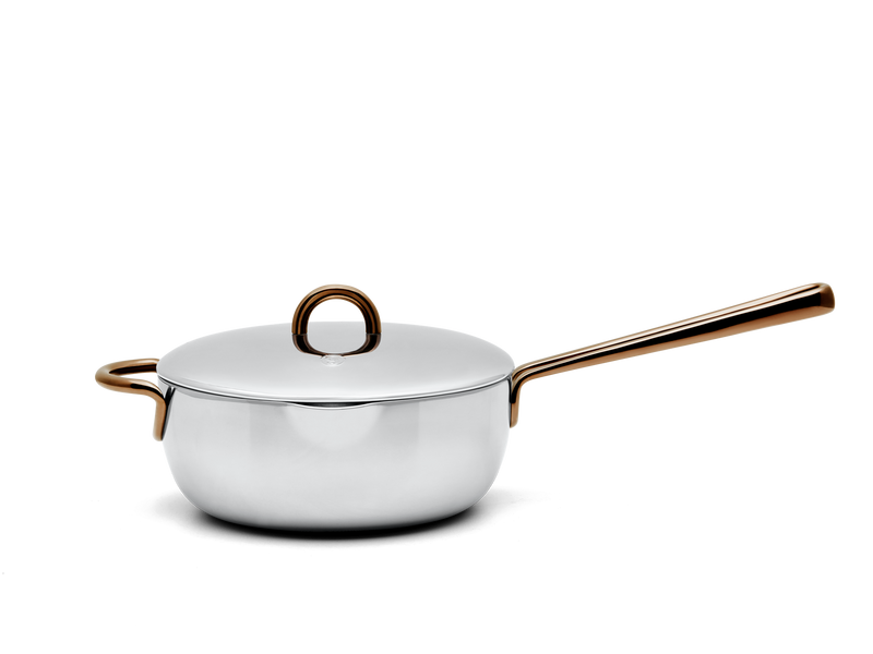 Saucy stainless steel saucier - side view with lid