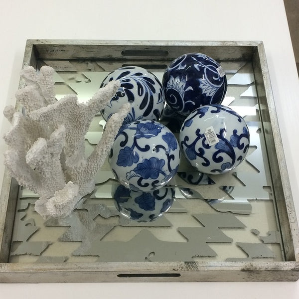 Blue & White 4 Decorator Balls