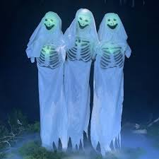 6ft ANIMATED GHOSTLY TRIO