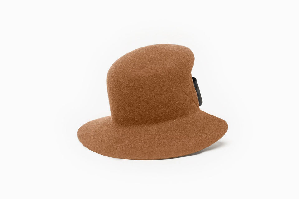 Cabrera cropped hat is available in cinnamon color on Camille Côté online store.
