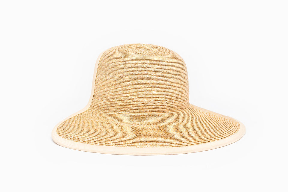 Front view of Jasmine, the summer hat from SS19 collection.