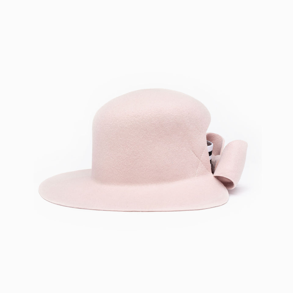 The bronx hat available in pink color.