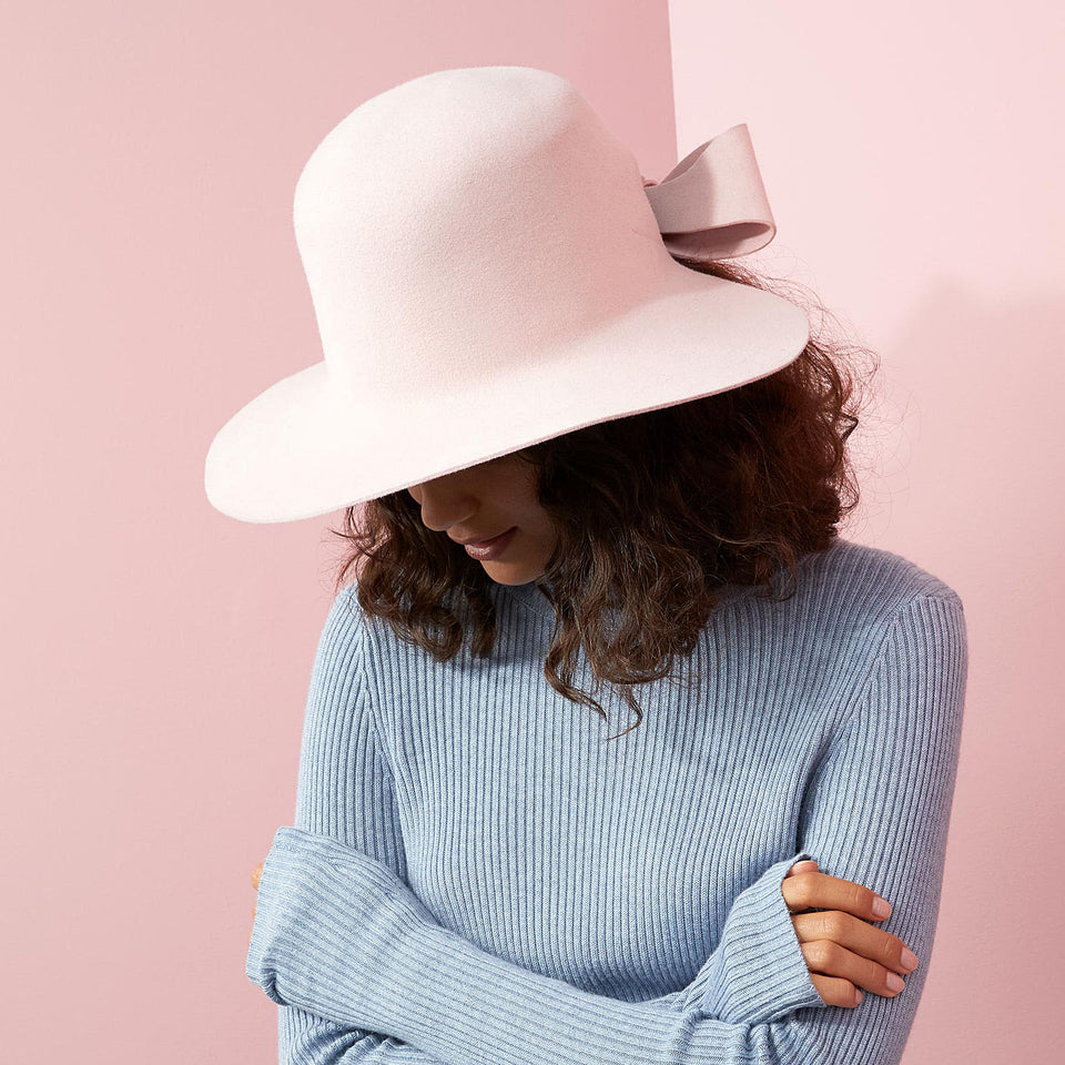 Camille Côté hat fall collection 2018 present the bronx hat.