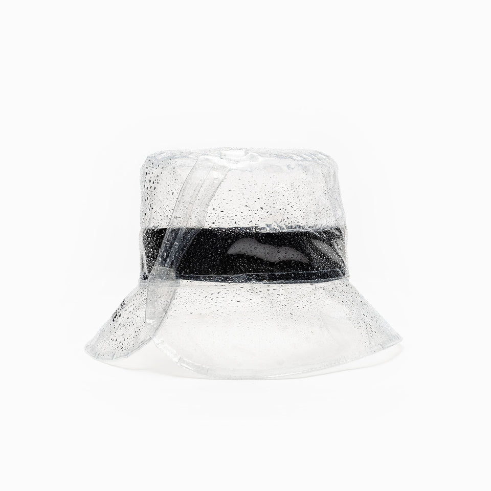 The Camille Côté clear bucket is open at the back for a better fit.
