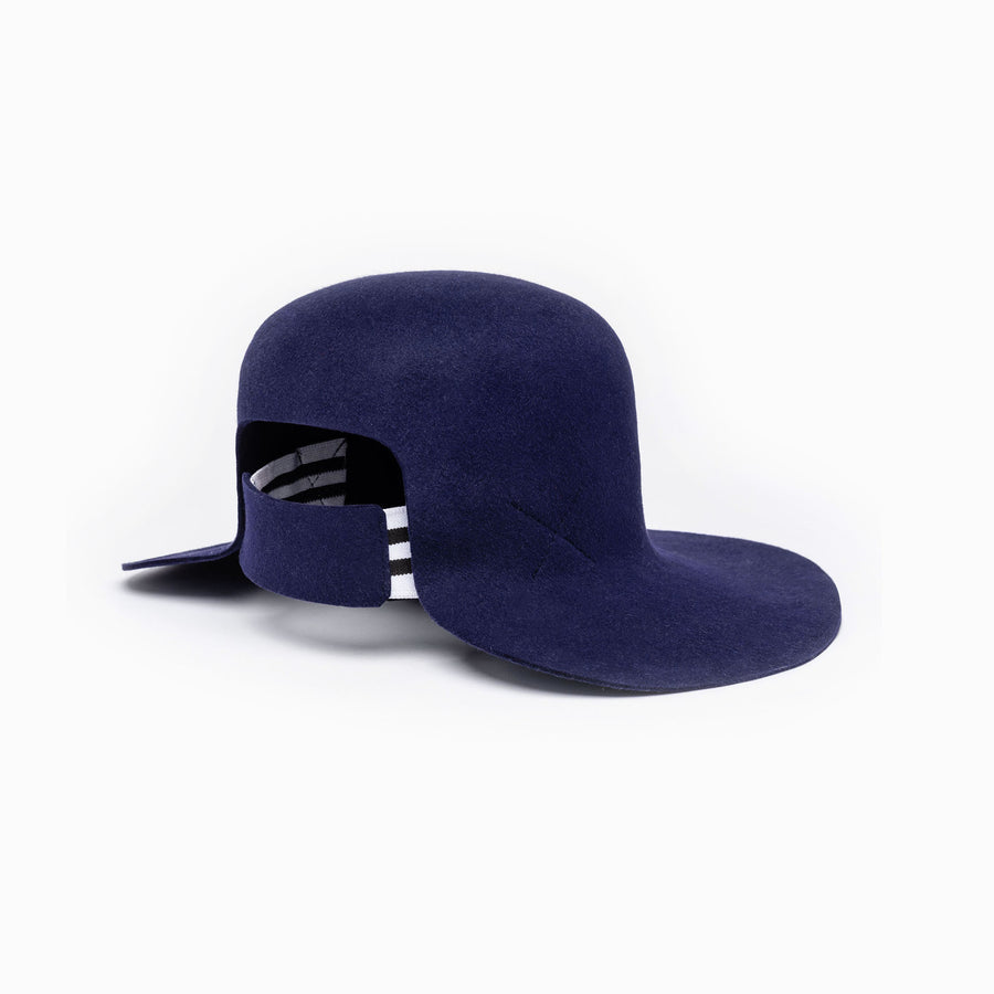 Dean hat is available in navy color and has an integrated elastic at the back.