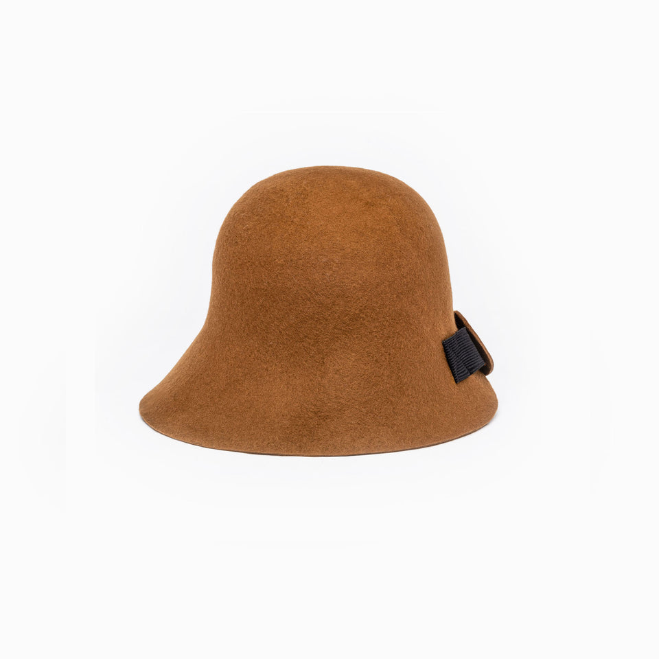 From a front view, the cinnamon Harlem felt hat.