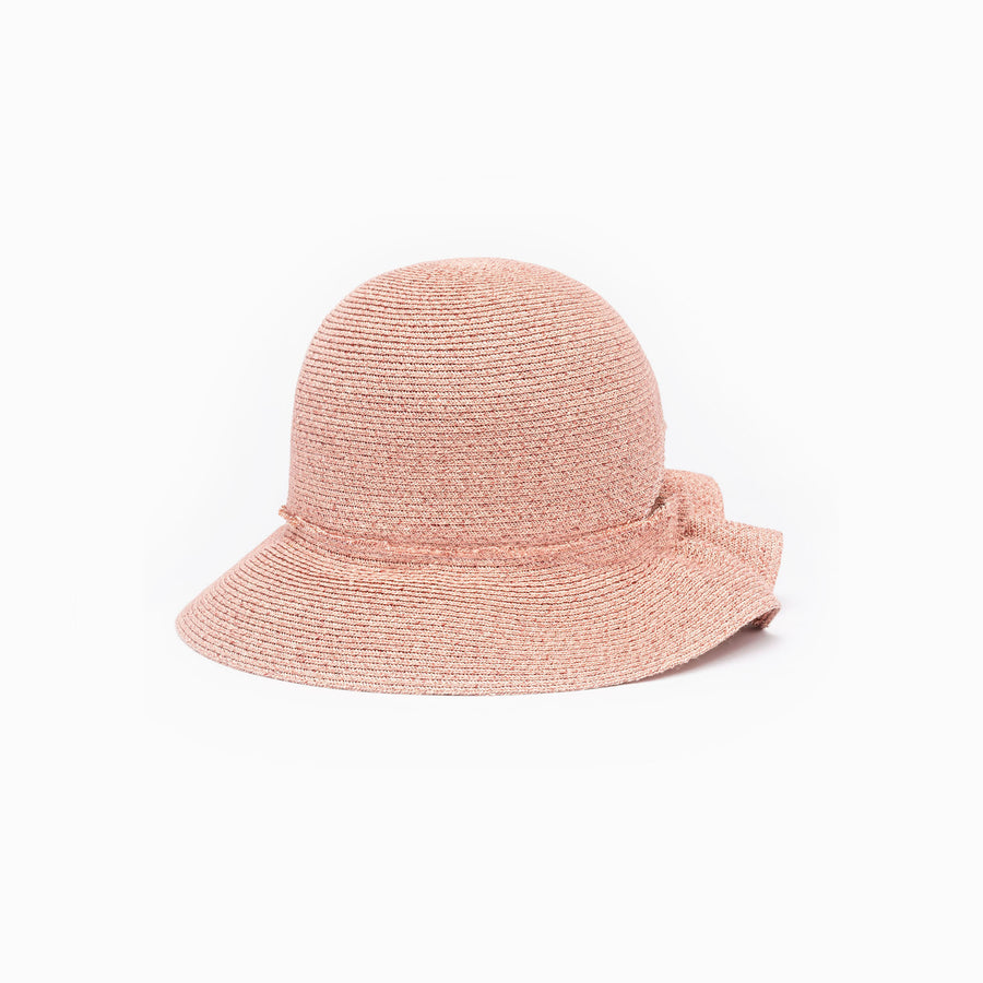 The straw bucket hat Liberty is available in pink color.