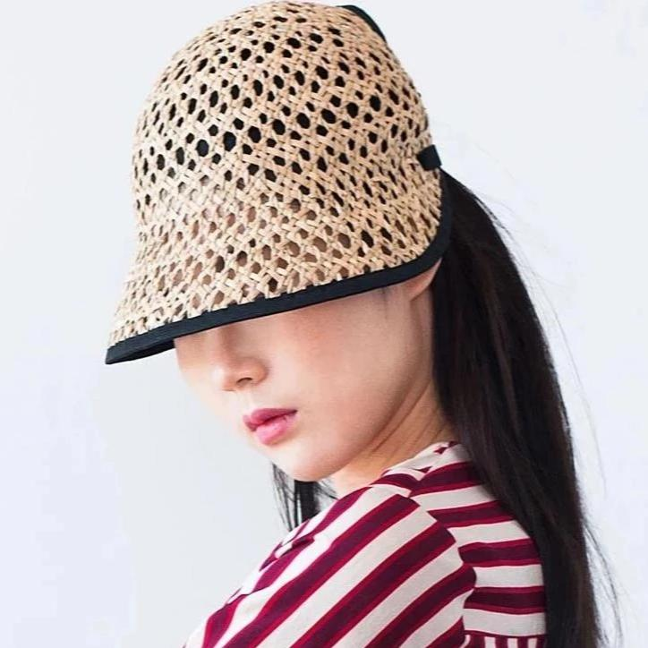The summer hat Tsu weared by the model for Camille Côté designer.