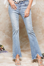 Load image into Gallery viewer, Pearl accent jeans