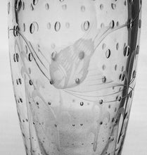 Load image into Gallery viewer, Little Glass Vase with Fish Etching