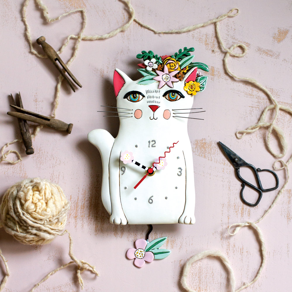Pretty Kitty Pendulum Clock