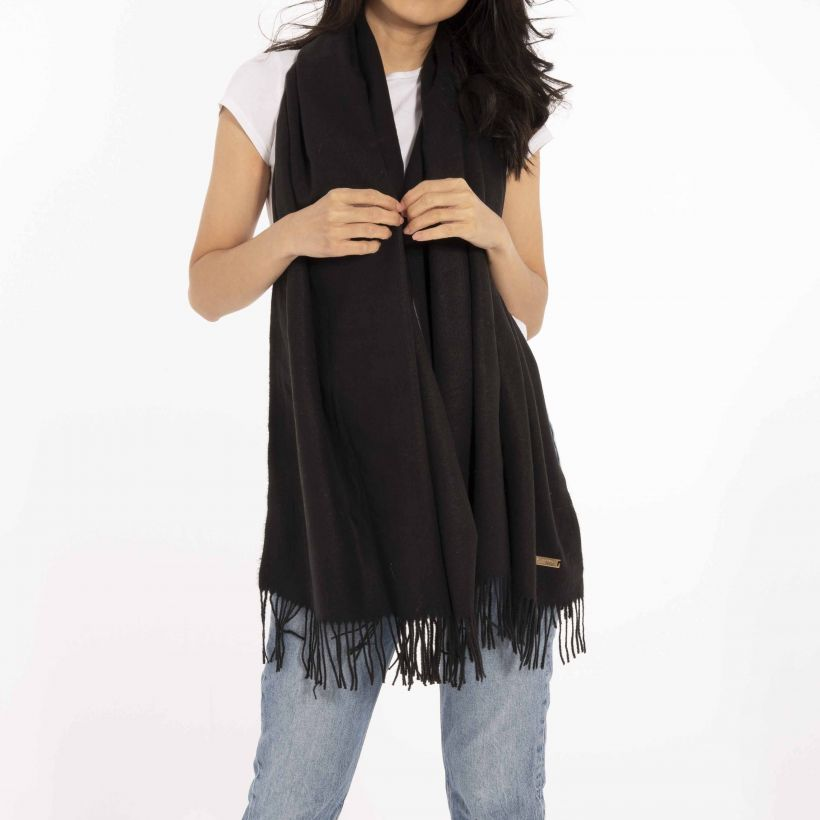 Wrapped Up In Love Boxed Scarf | Black