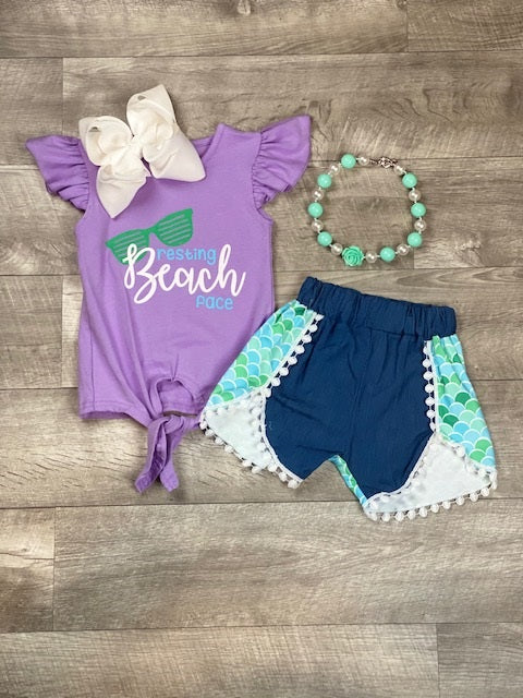 resting-beach-face-short-set-outfit