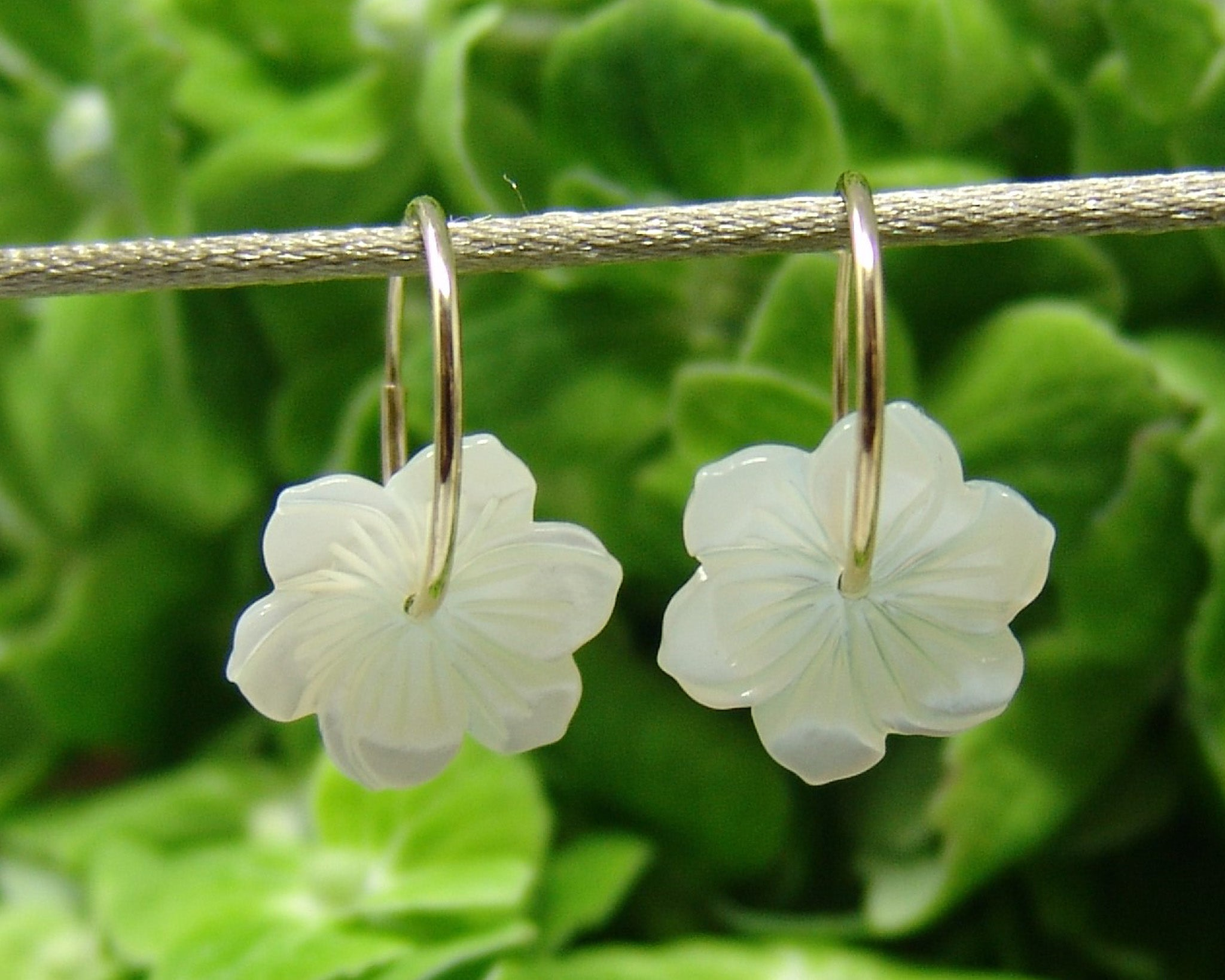 White Mother of Pearl Flower Earring