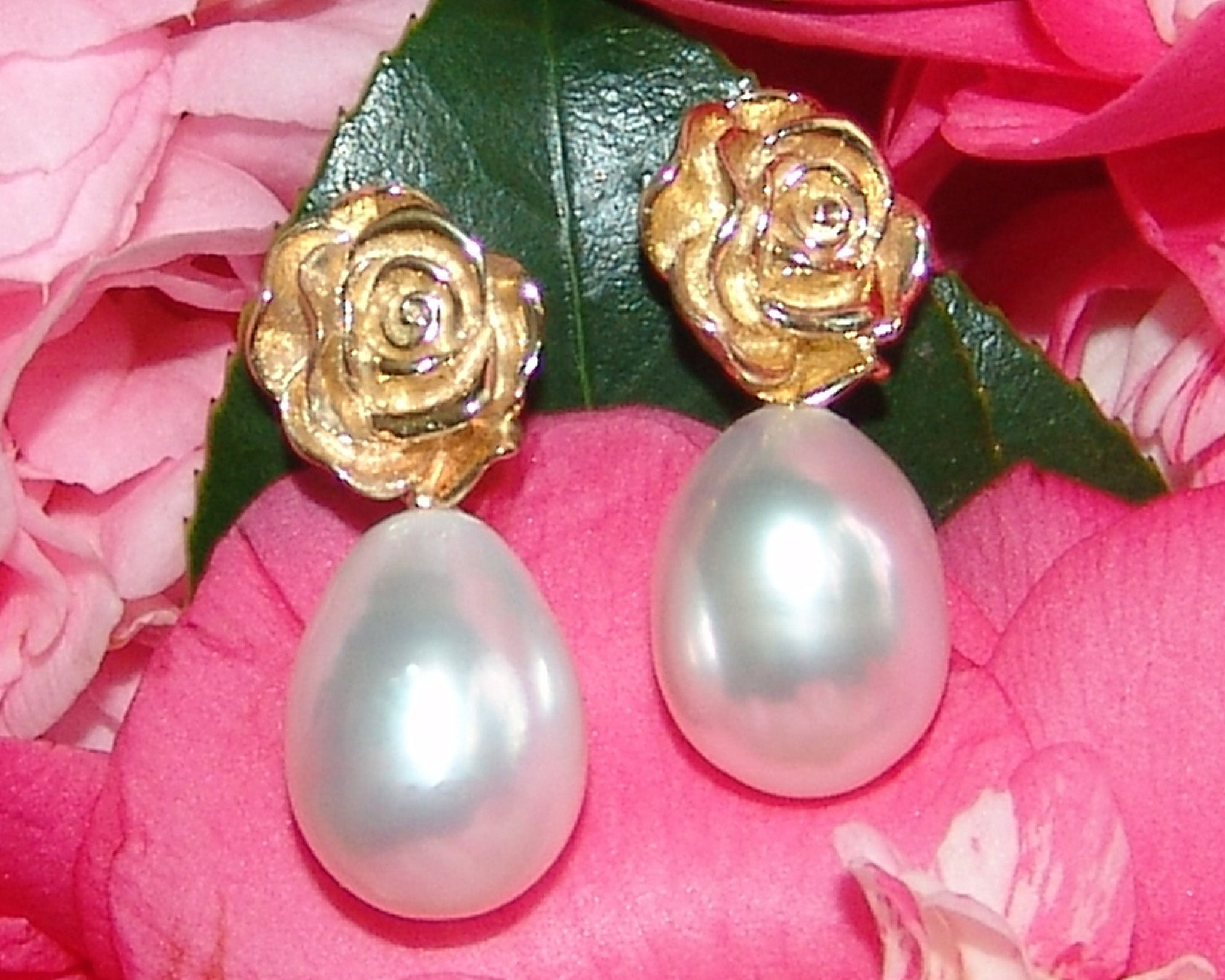 Oval Drop White South Sea Pearls
