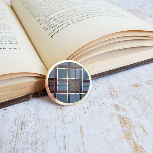 Outlander fraser plaid sassenach enamel pin