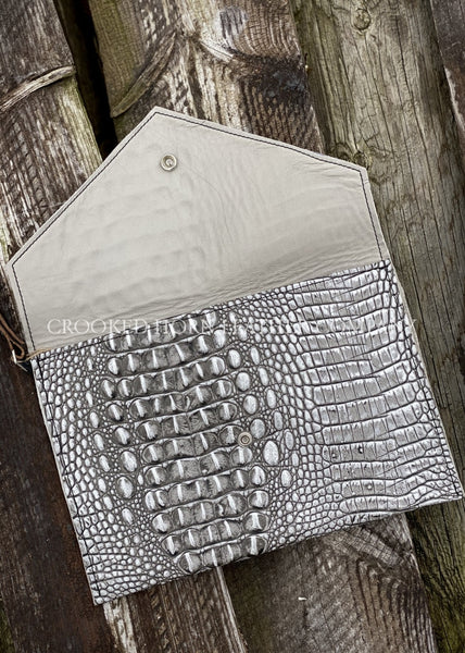 Leather Envelope Clutch In Silver Croc With Wristlet Strap Large