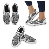 A ABSTRACT CASUAL Men's Slip-on Canvas Shoes (Model 019)