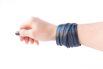 Leather Bracelet / Original Sliced Wrap Cuff / Smooth Navy / Regular