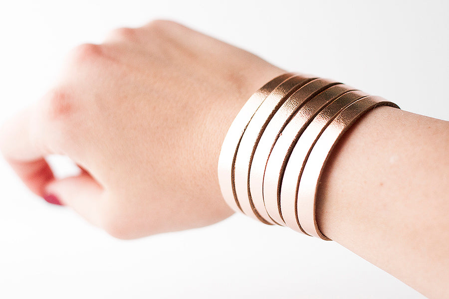 Leather Bracelet / Original Sliced Cuff / Metallic Rosegold / Extra Large