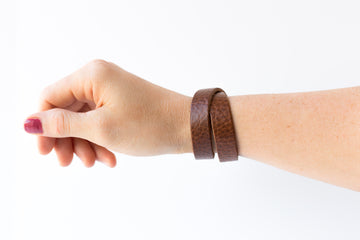 Leather Bracelet / Slim Wrap Cuff / Saddle Brown / Regular