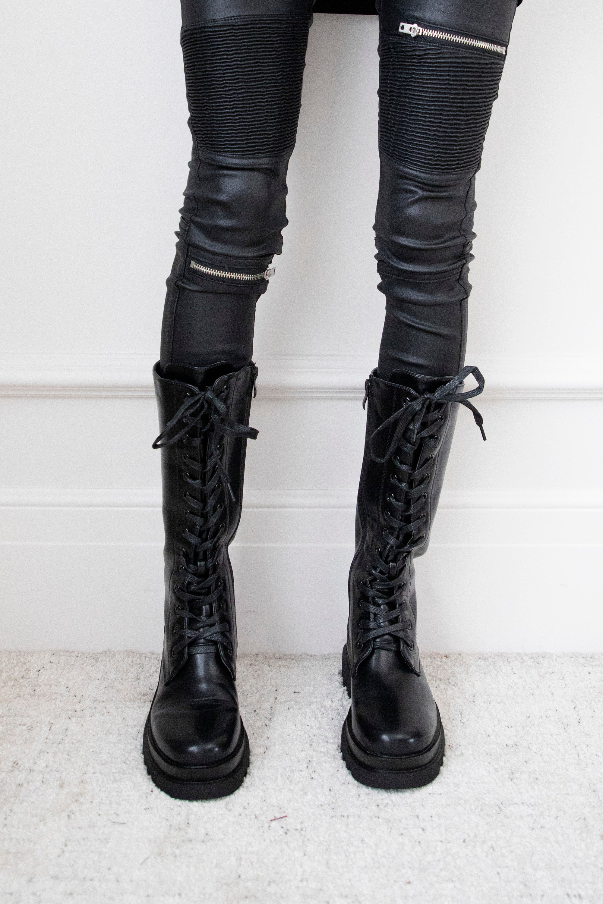 High Lace-Up Shoes Black - Boots