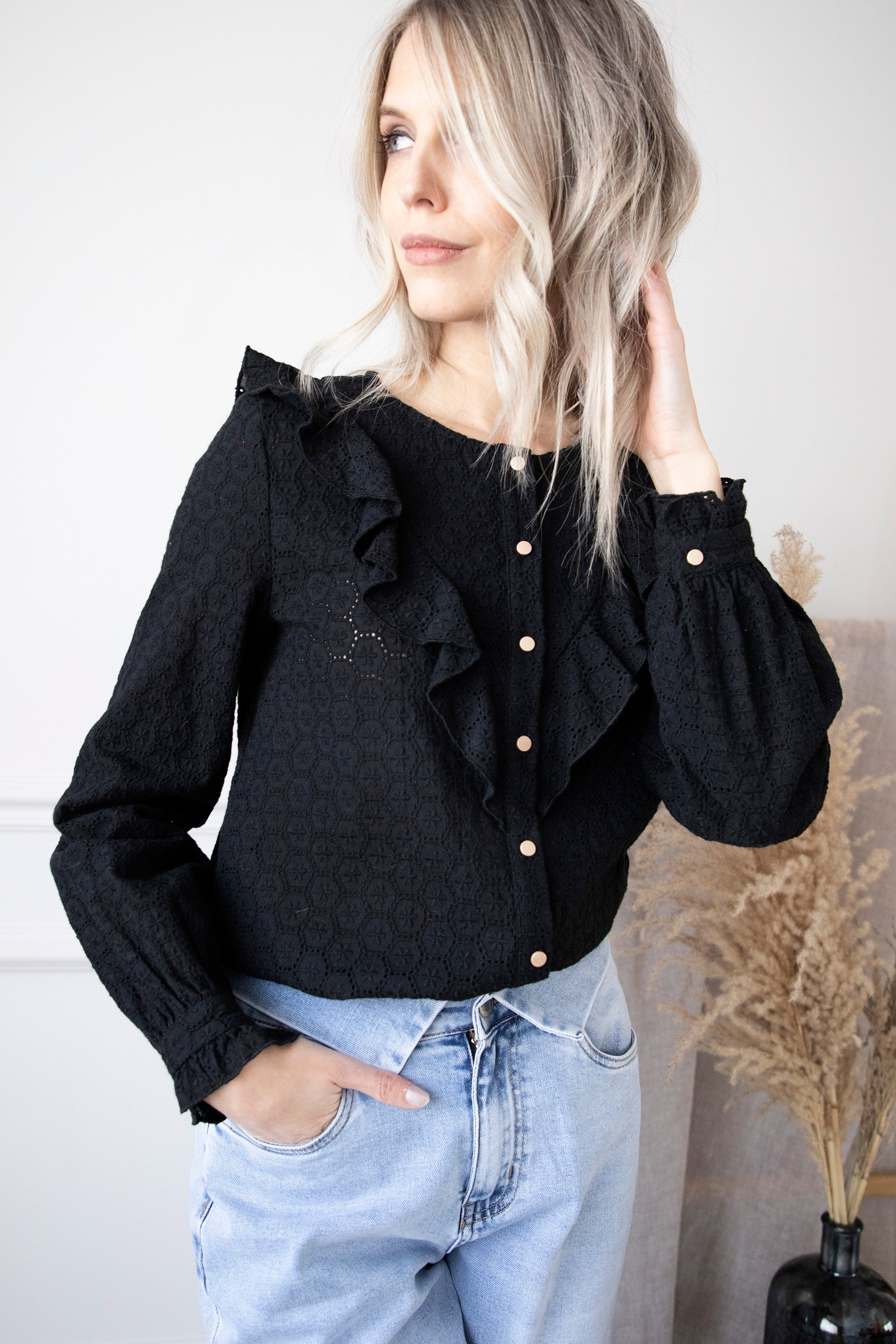 Bloomy Embroidery Black - Blouse