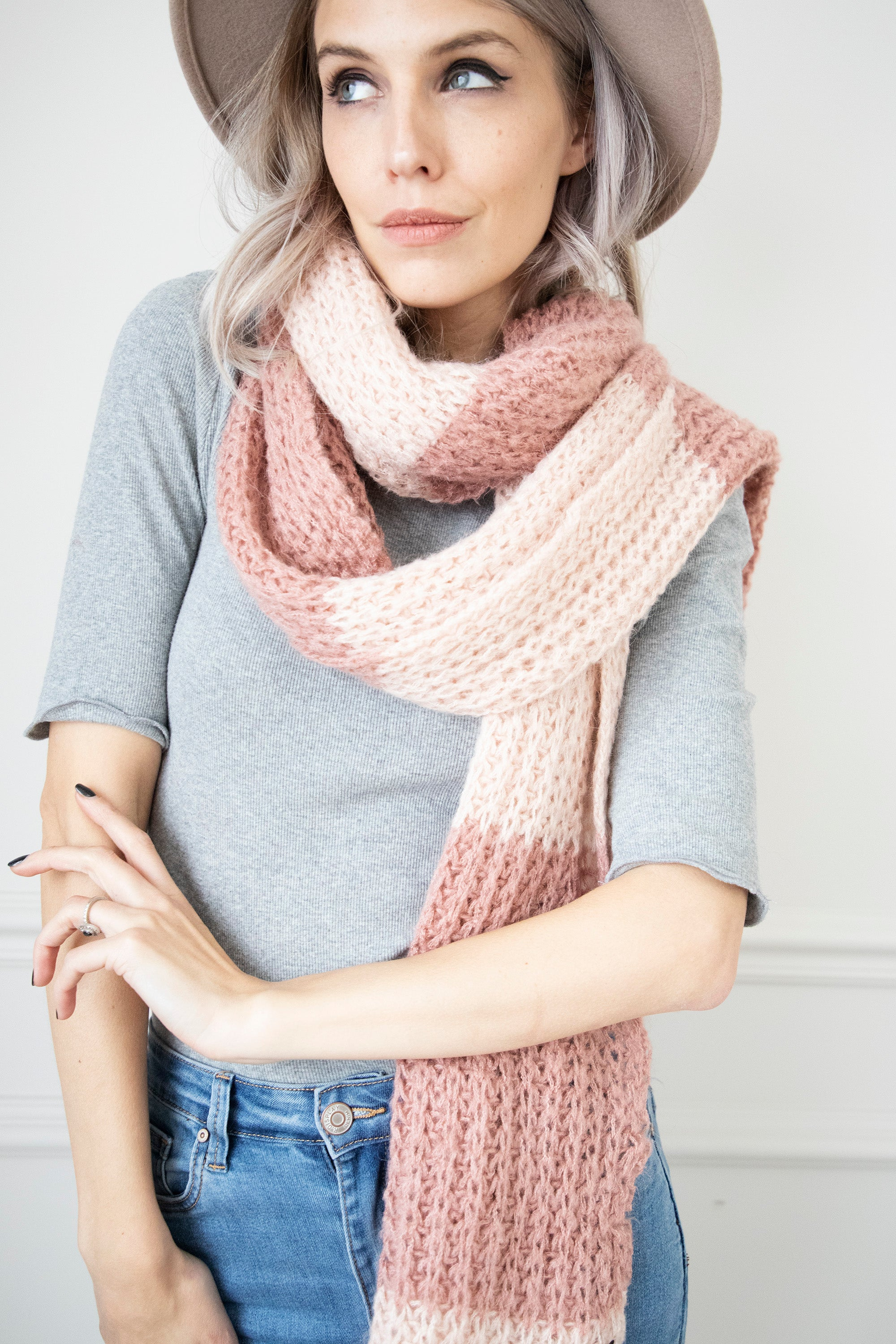 Knitted Odette Soft Pink/Old Pink - Sjaal