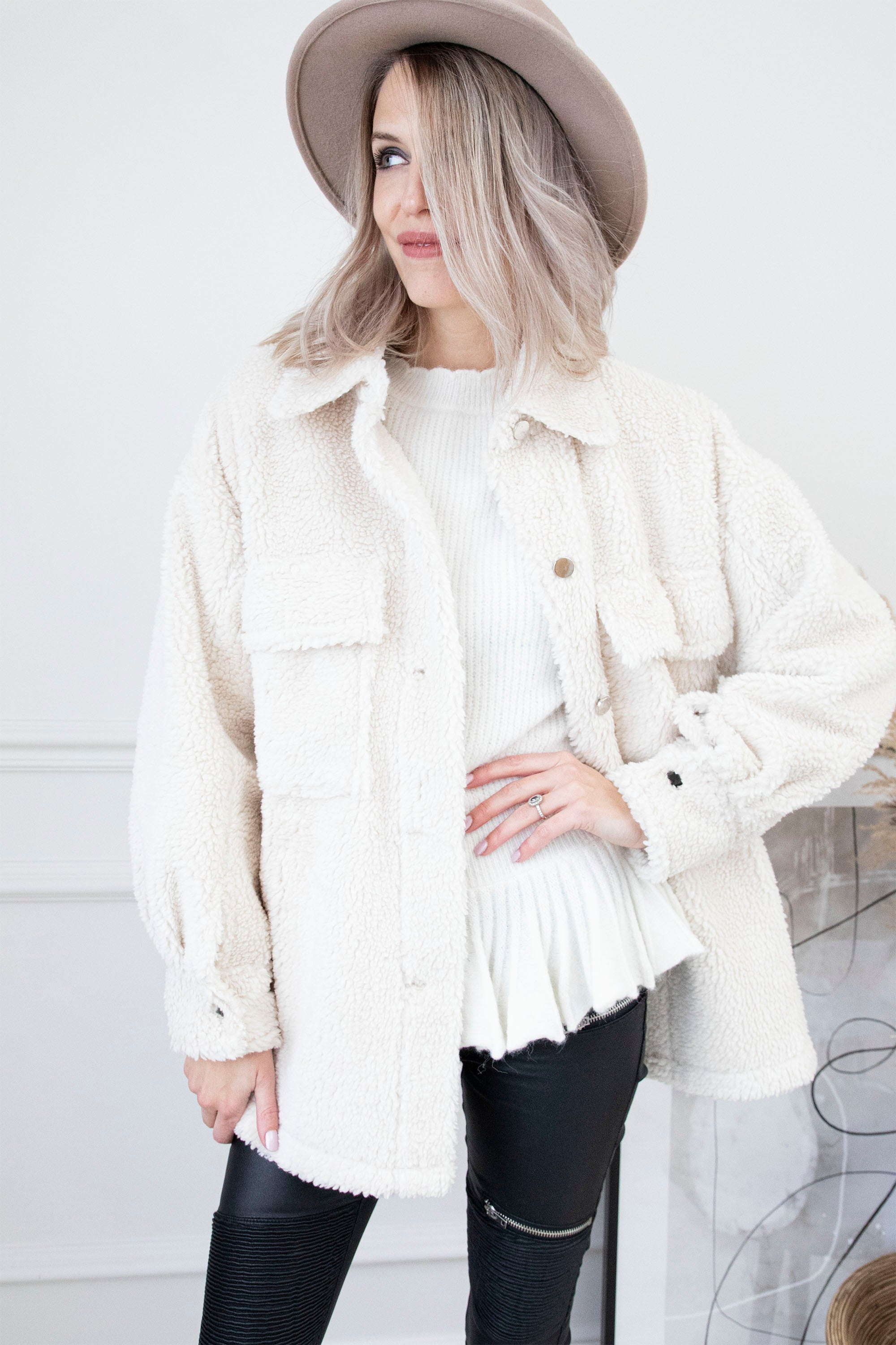 Got A Cozy Feeling Off White - Blouse/Gilet
