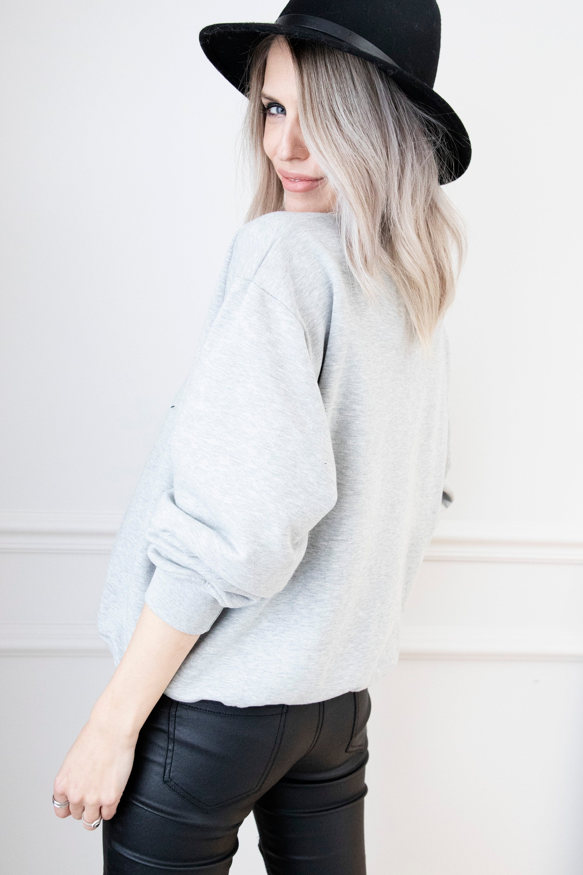 ARIA ღ To Stay Inside In Grey/Black Glitter - Sweater