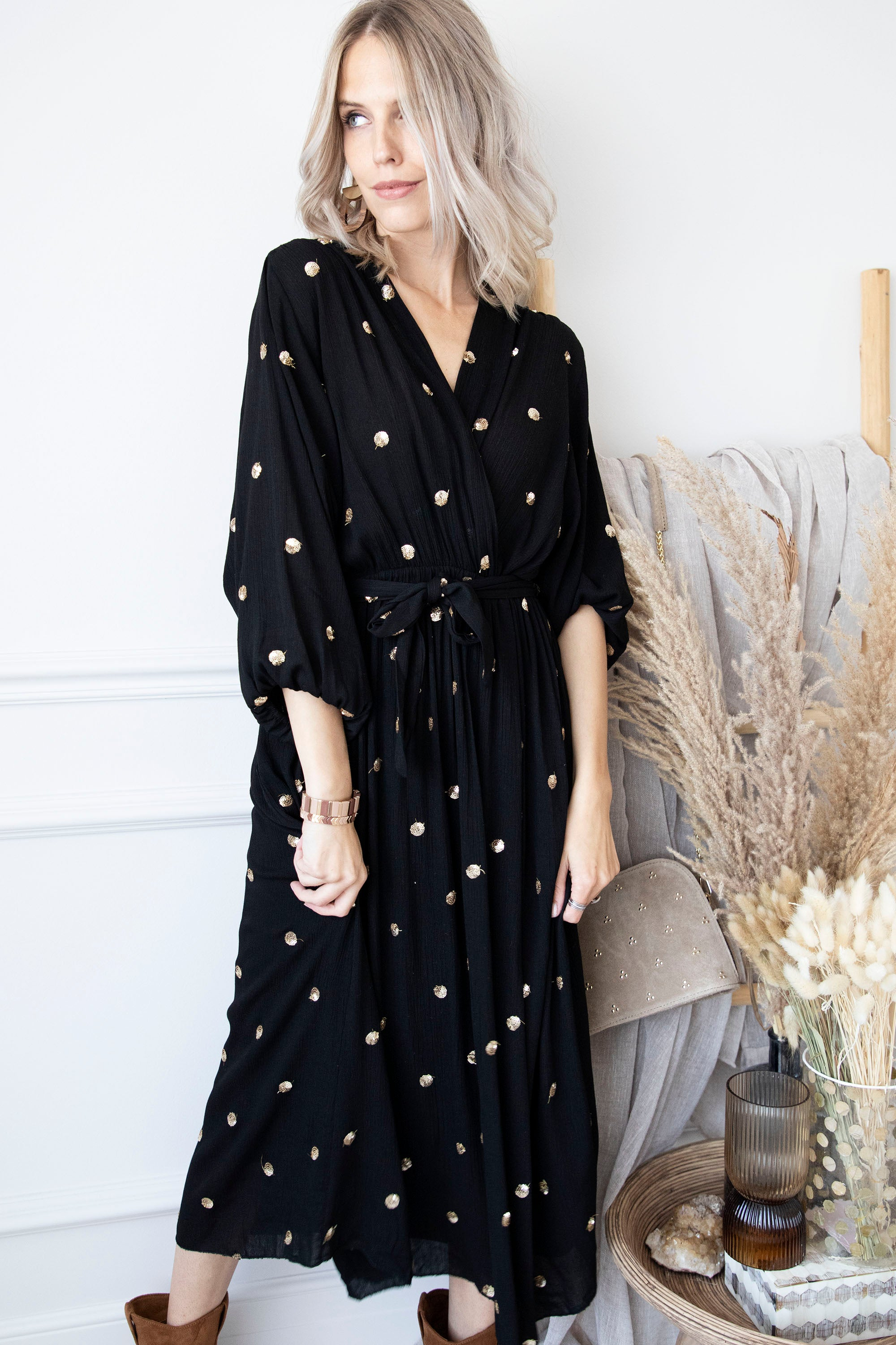 Magic Dots Of Gold Black - Jurk
