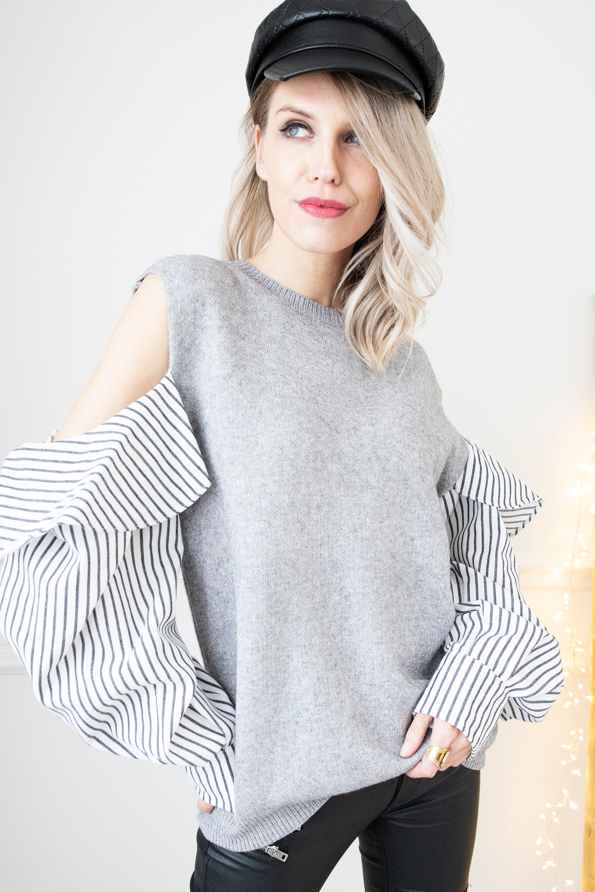 Striped Sleeves Grey - Trui