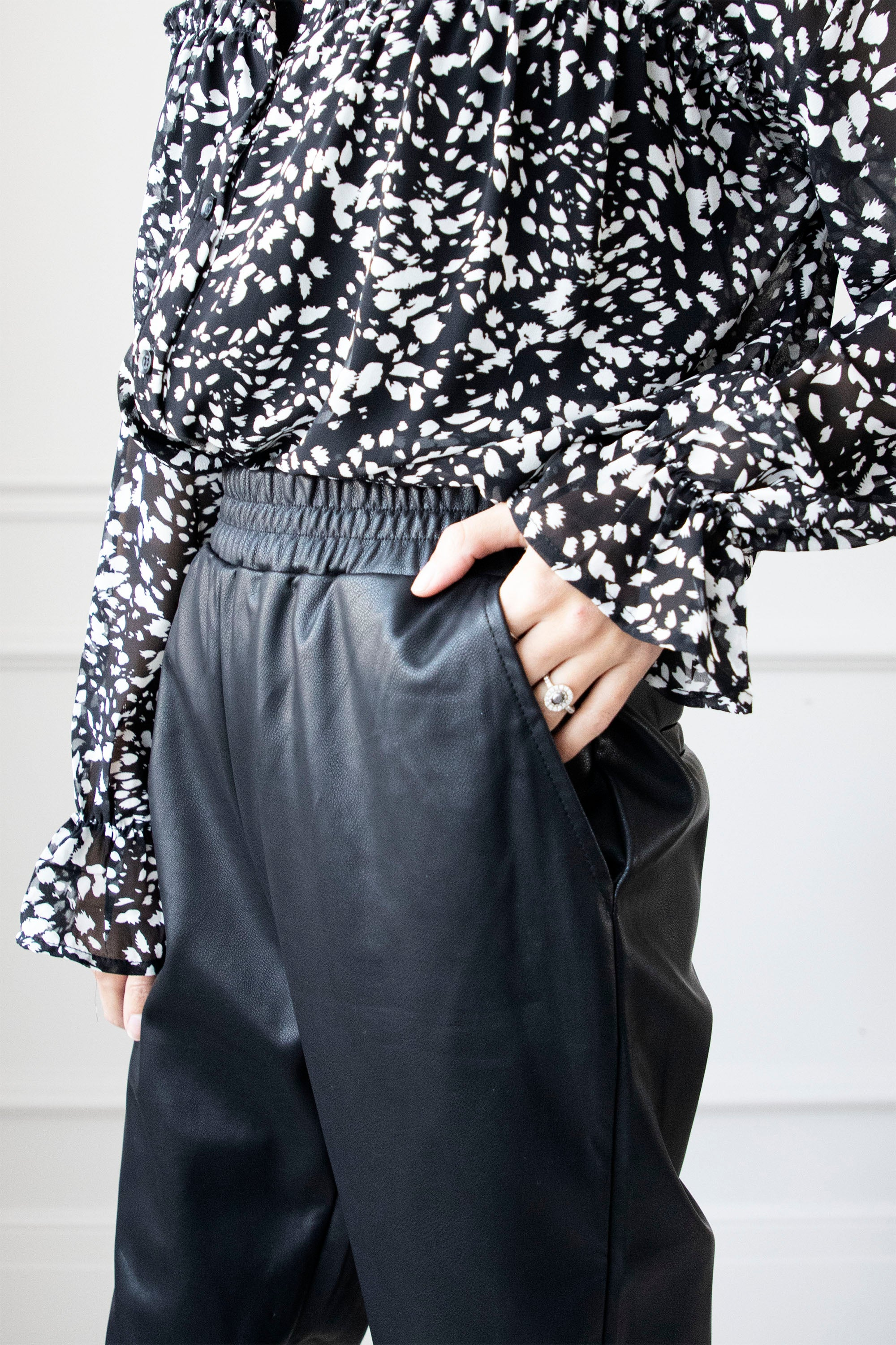 The Cool Girl Black - Broek