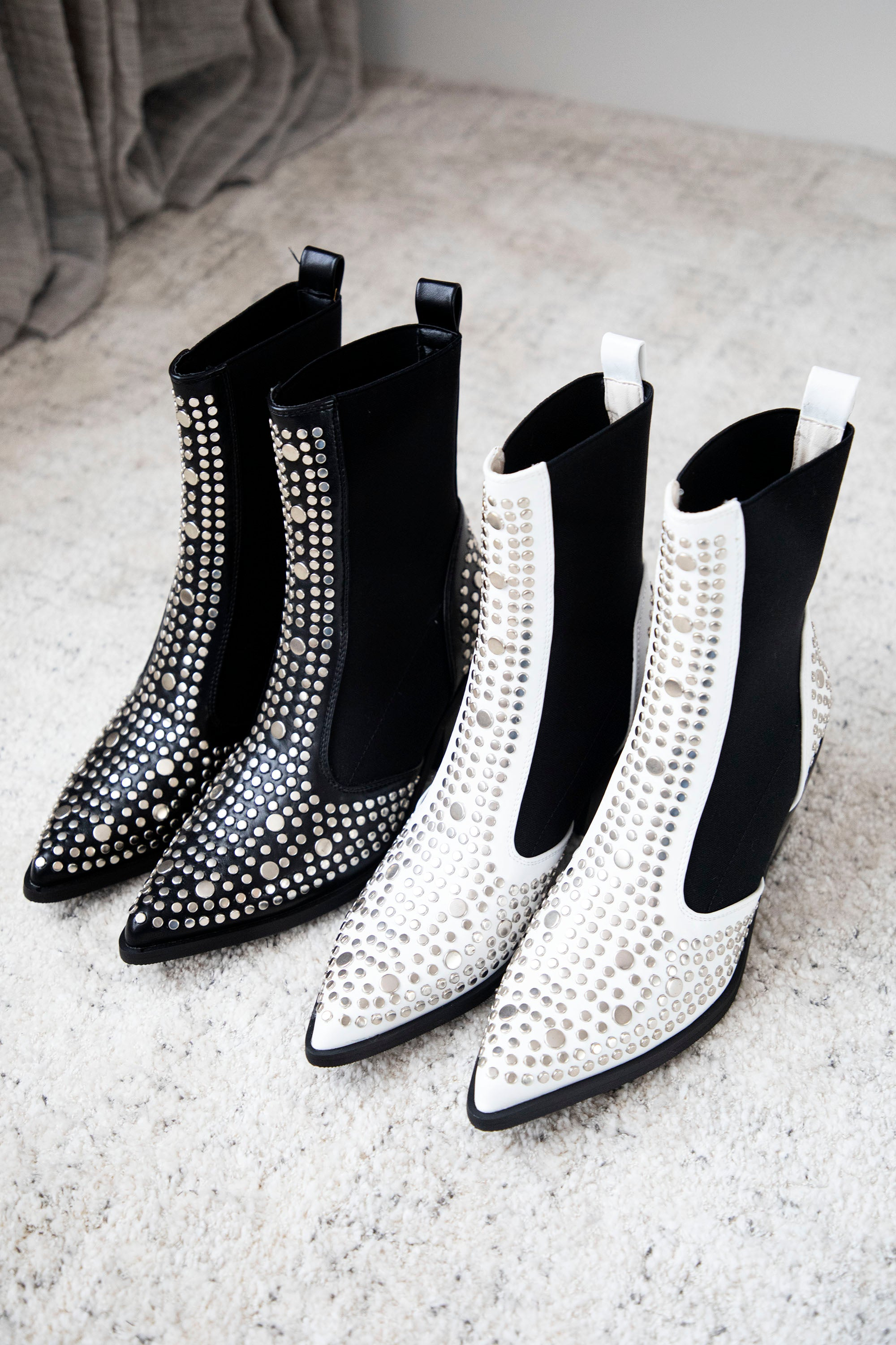 Western Babe Studded White - Boots