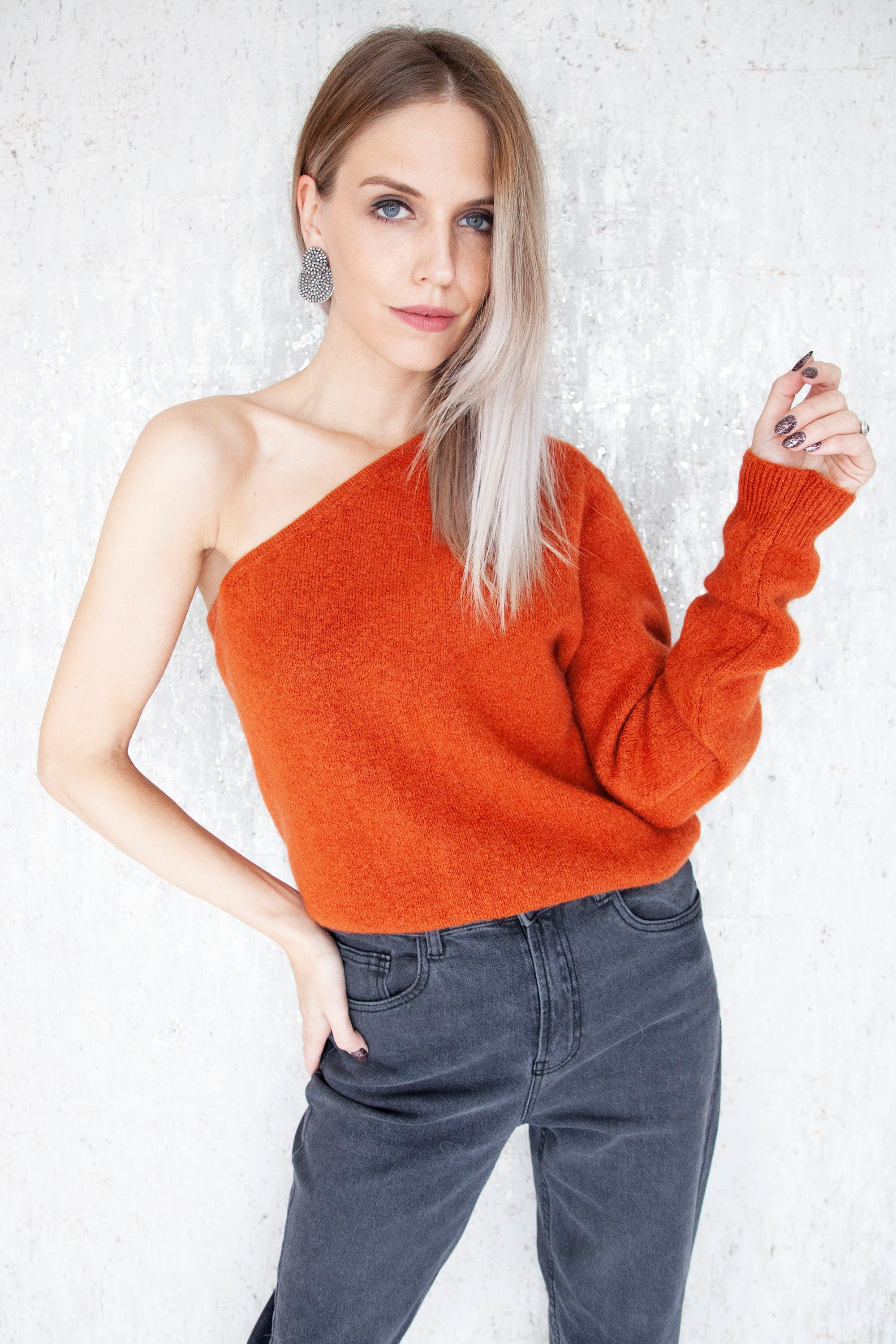Off My Shoulder Brick - Sweater