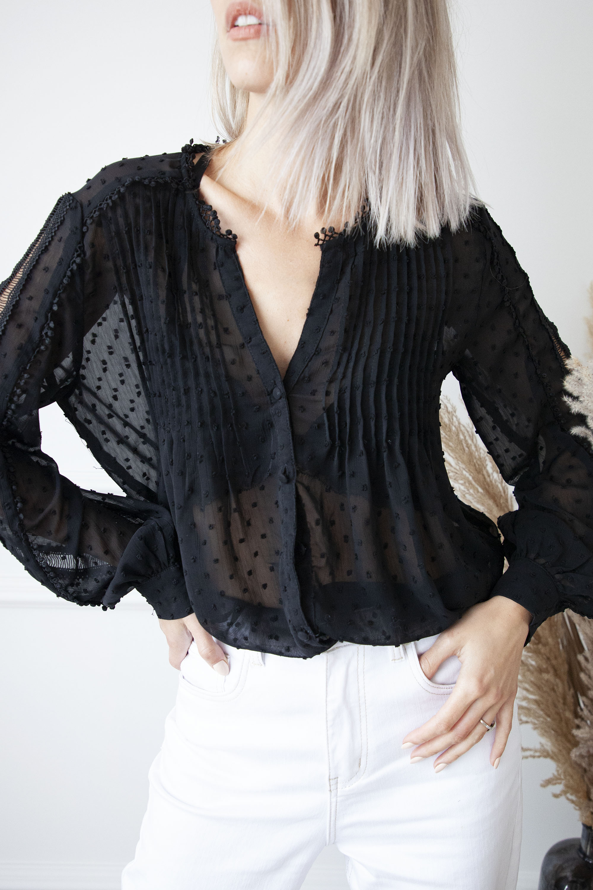 Gracious Lace Black - Blouse