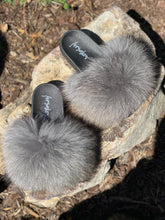 Load image into Gallery viewer, Light Grey Fur Slippers