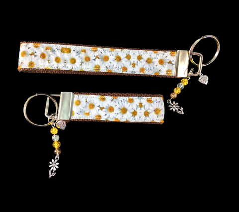 Daisies Are The Friendliest Flower' Wristlet Keychain