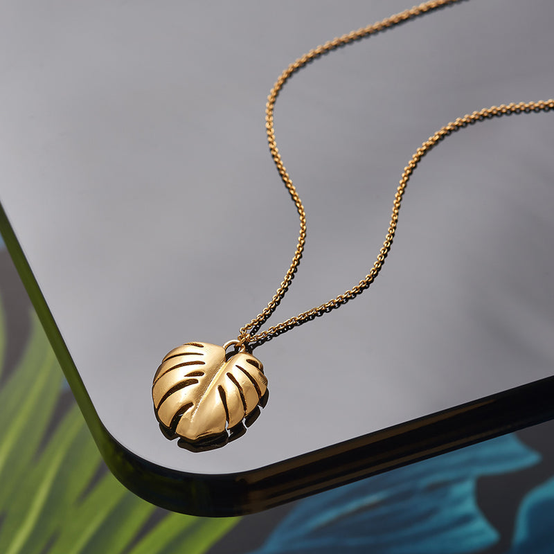Picture of 18k Gold Plated Cheese Plant Leaf Necklace Short