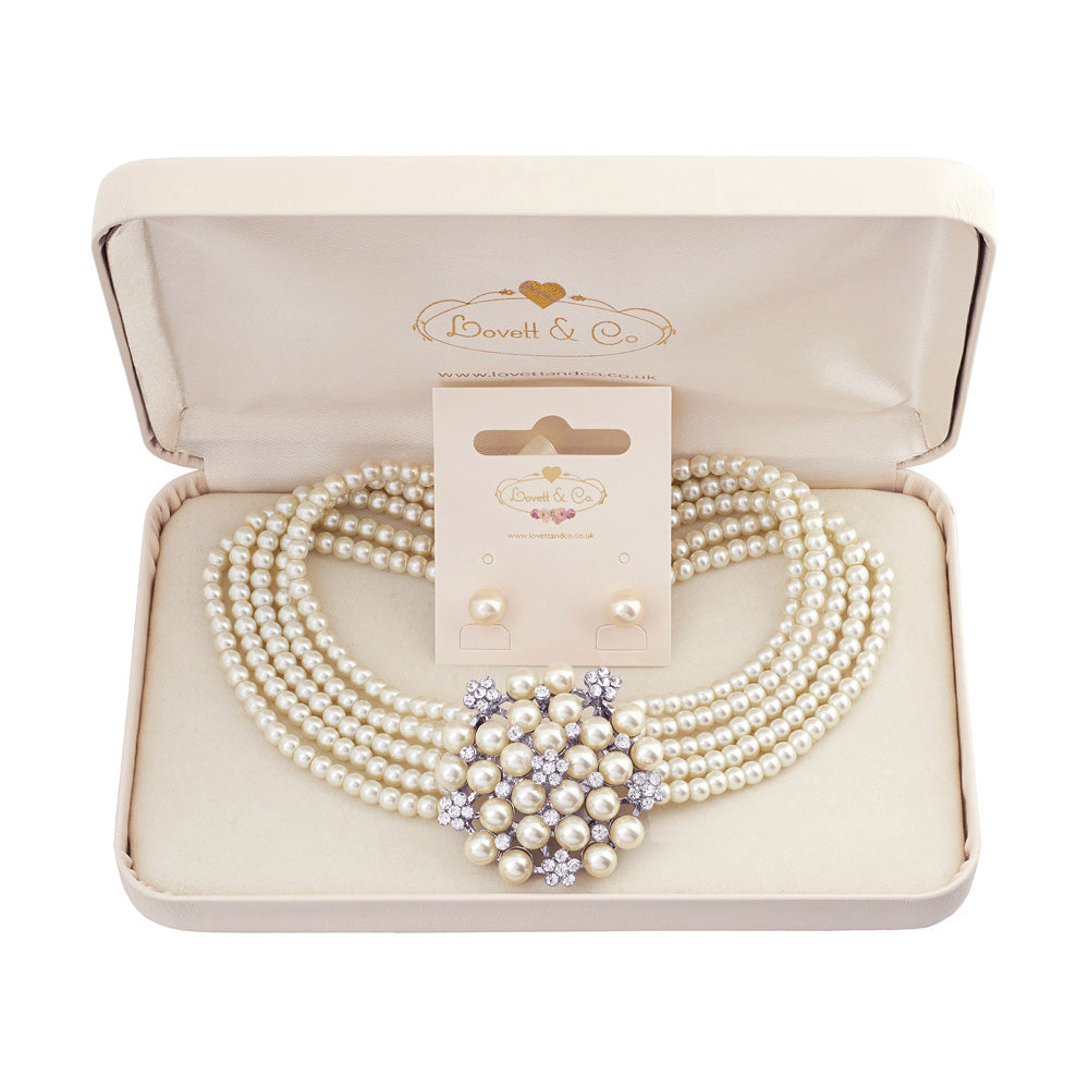 Audrey Necklace & Small Pearl Earring Gift Box