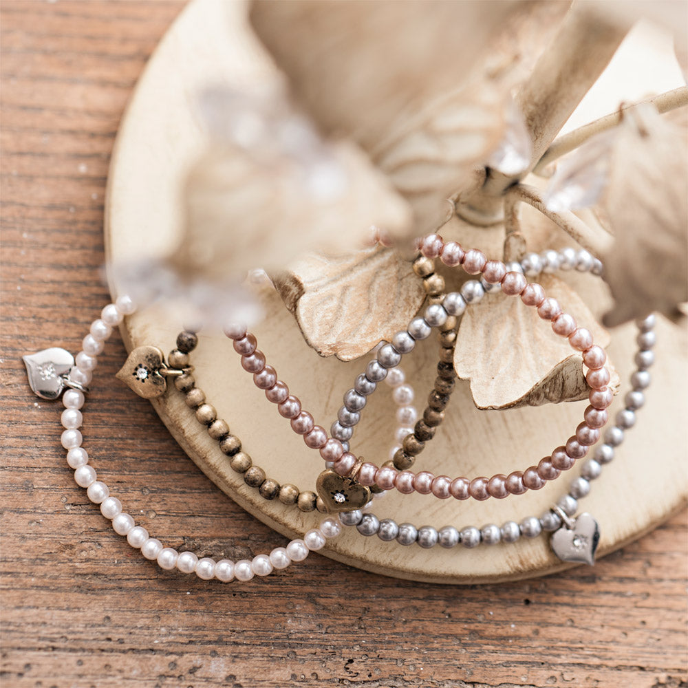 Picture of Tiny Round Pearl Bracelet
