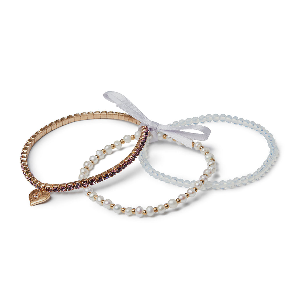 Image of 1950's inspired blet set of 3 bracelets made of pearl, crystal and beads, this elasticated set of bracelets is perfect to gift for her.