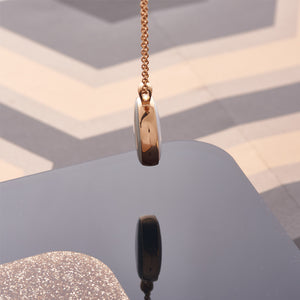 Picture of Rose Gold Plated Mother of Pearl Reversible Necklace in Pink