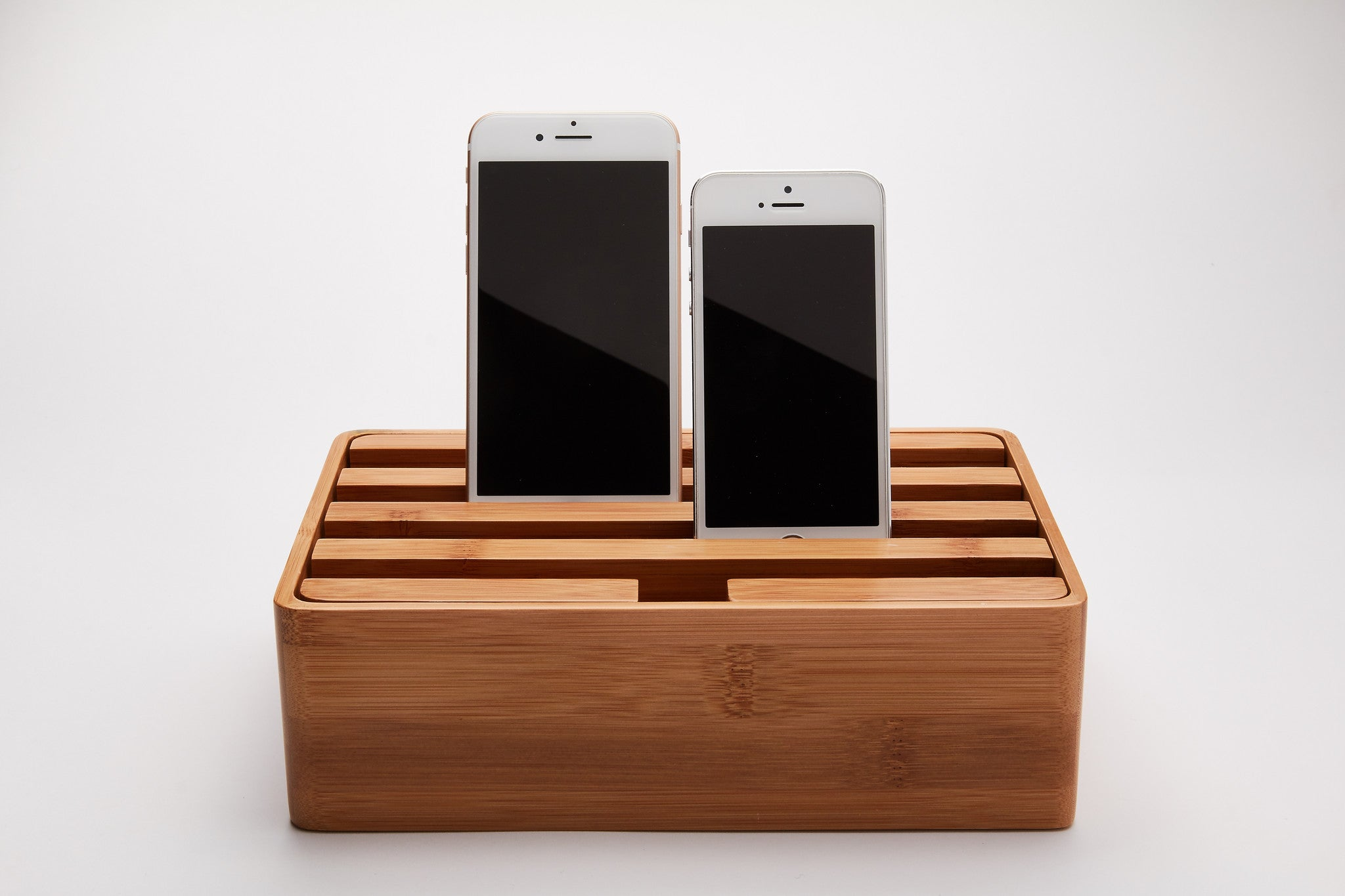 alldock stilfuld ladestation til ipad iphone og andet usb udstyr. Black Bedroom Furniture Sets. Home Design Ideas