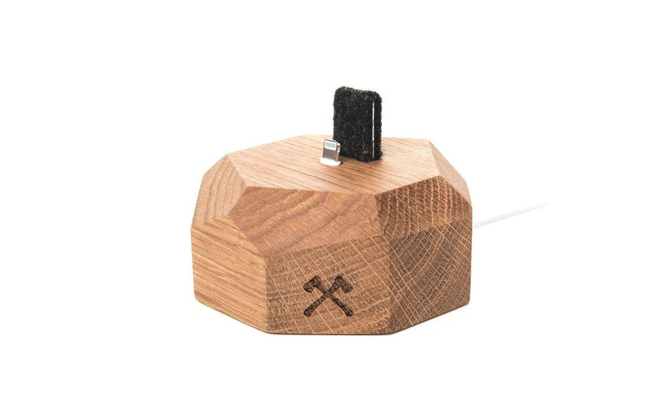 Iphone docking eg fra woodcessories på coverme