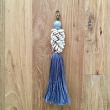 Load image into Gallery viewer, Tassel Shell Key Ring