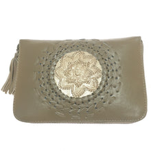Load image into Gallery viewer, Mahia Leather Purse