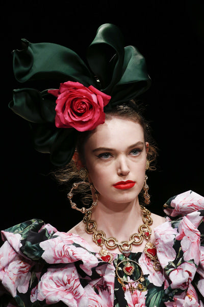 long-lasting-roses-how-pink-roses-have-been-prominent-in-fashion-shows-2019