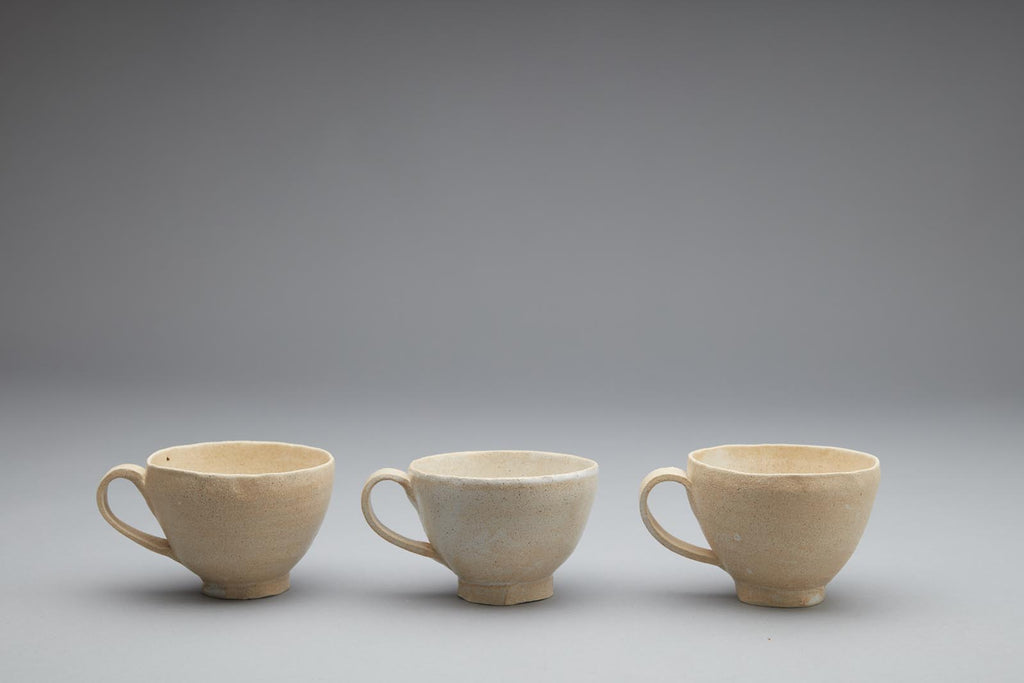 Handmade pottery mugs, made in New Zealand by Kirsten Dryburgh for www.situstudio.co.nz